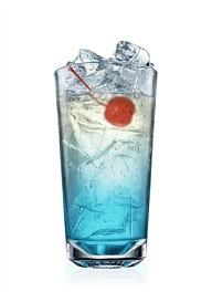 blue hawaiin cocktail